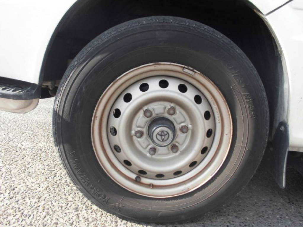 Used 2003 AT Toyota Hiace Commuter TRH124-0001694 Image[17]