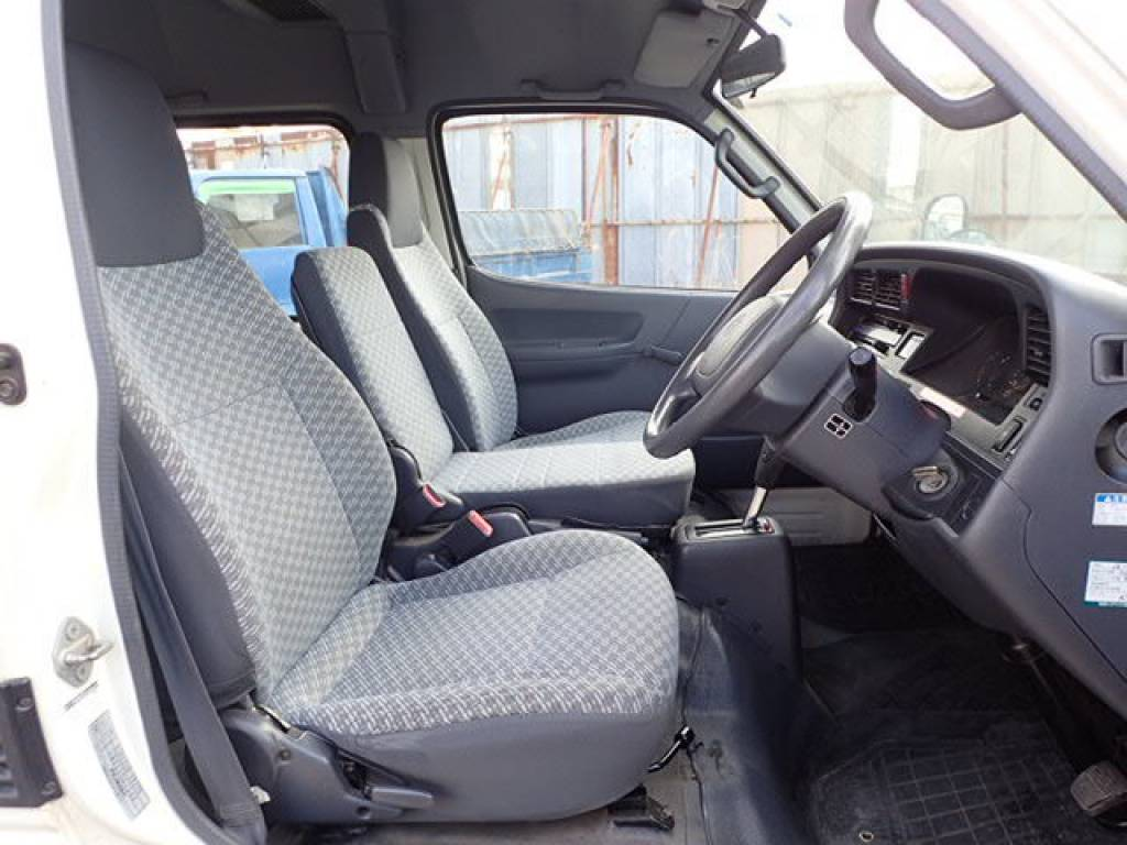 Used 2002 AT Toyota Hiace Commuter RZH125B Image[8]