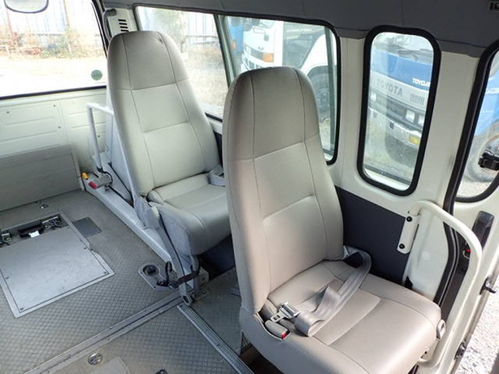 Used 2002 AT Toyota Hiace Commuter RZH125B Image[16]