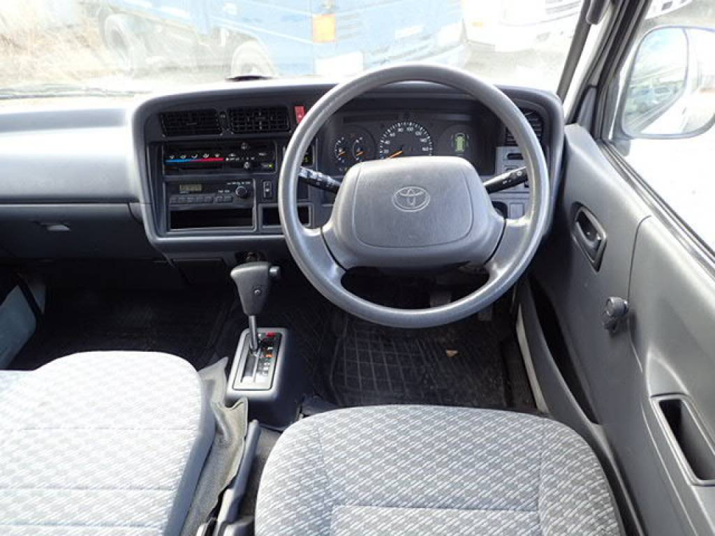 Used 2002 AT Toyota Hiace Commuter RZH125B Image[19]