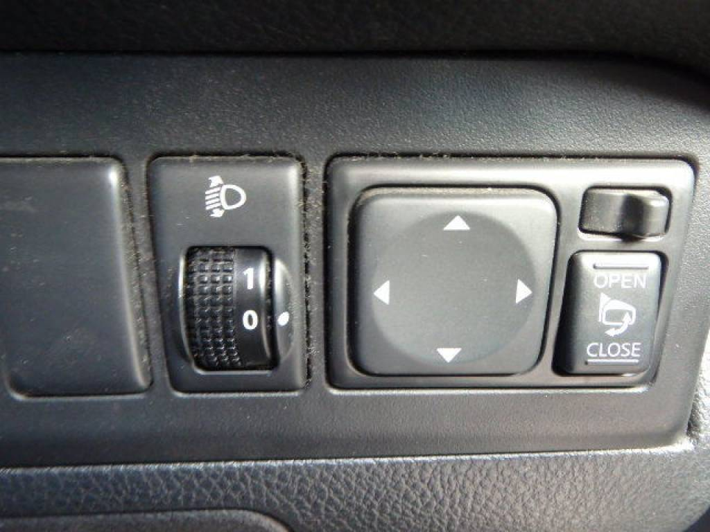 Used 2008 AT Nissan Note E11 Image[24]