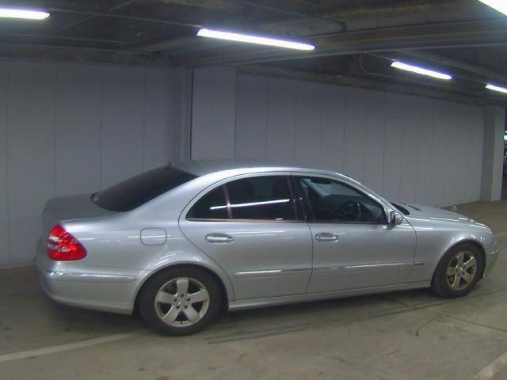 Used 2004 AT Mercedes Benz E-Class GH-211061 Image[2]
