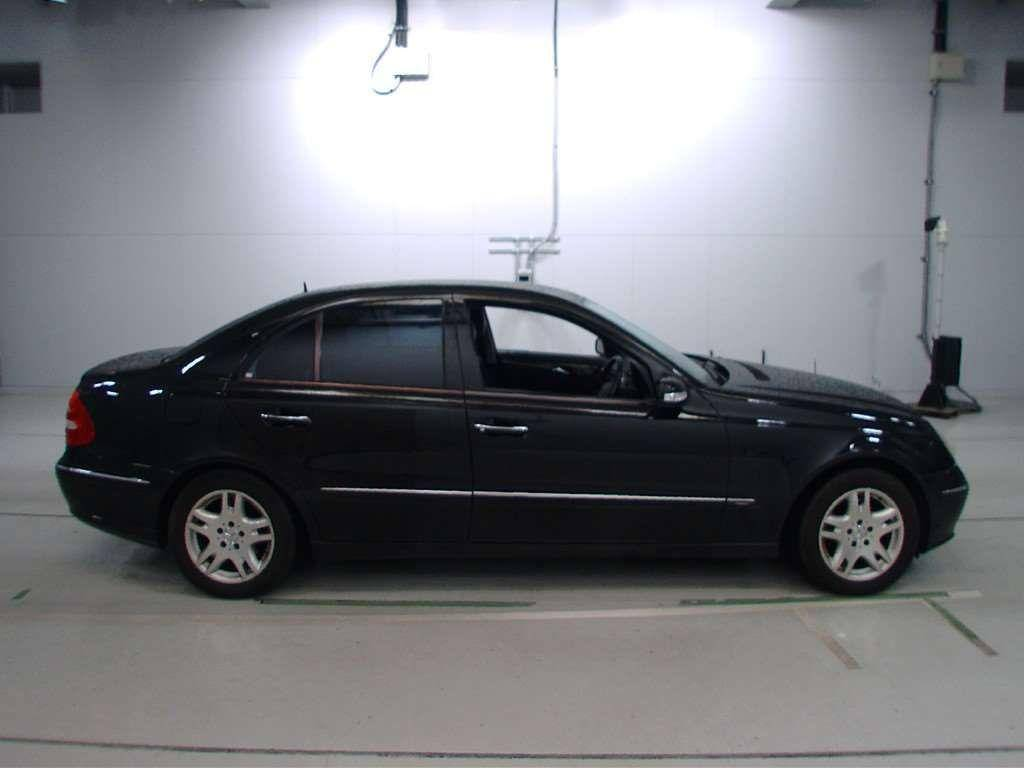 Used 2004 AT Mercedes Benz E-Class 211065 Image[2]