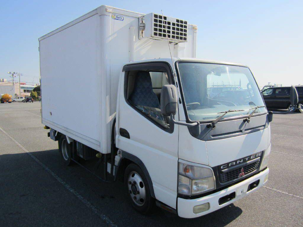 Used 2006 MT Mitsubishi Canter FE70BB