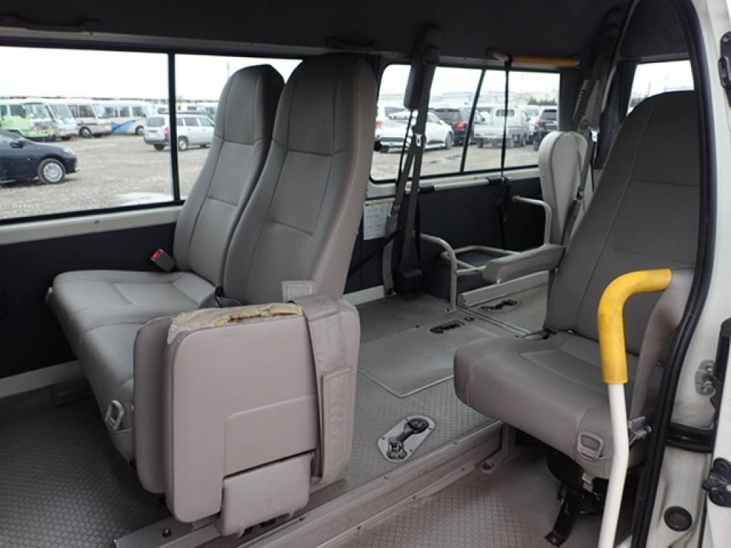 Used 2004 AT Toyota Hiace Commuter TRH124B Image[7]