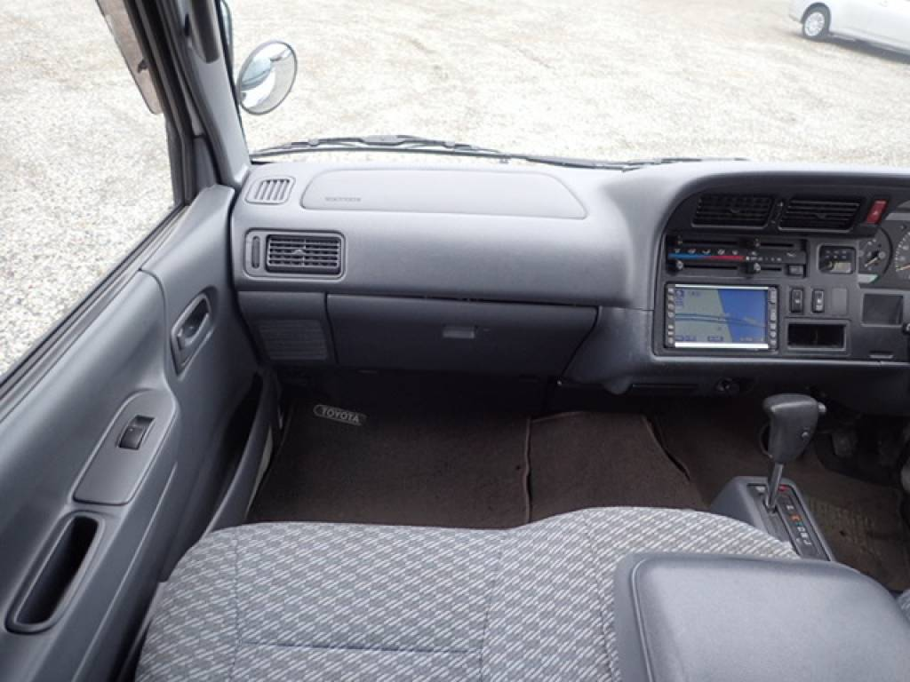 Used 2004 AT Toyota Hiace Commuter TRH124B Image[13]