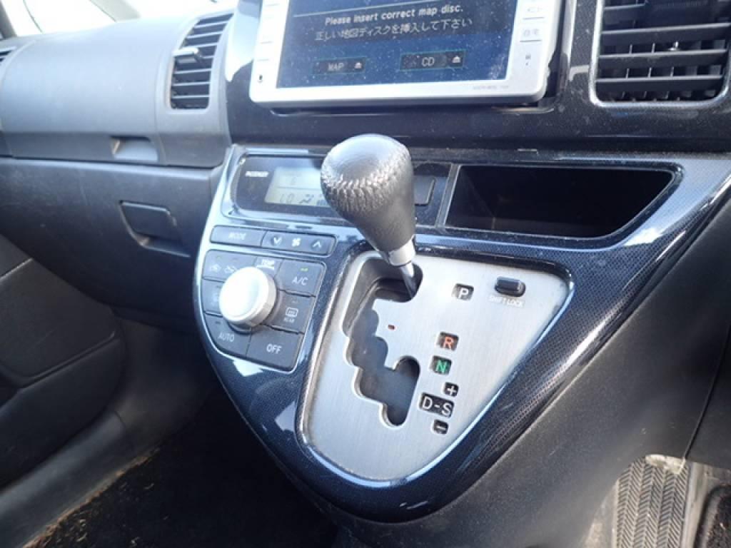 Used 2008 AT Toyota Wish ZNE10G Image[26]