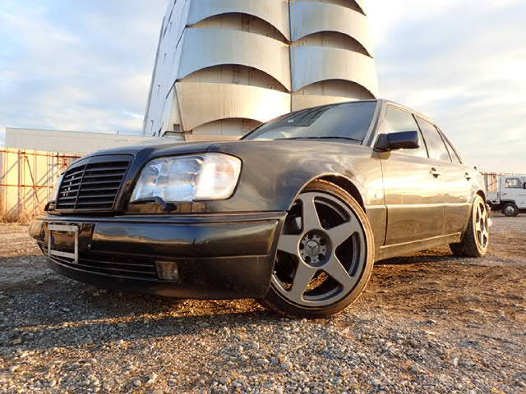 Used 1995 AT Mercedes Benz E-Class 124036