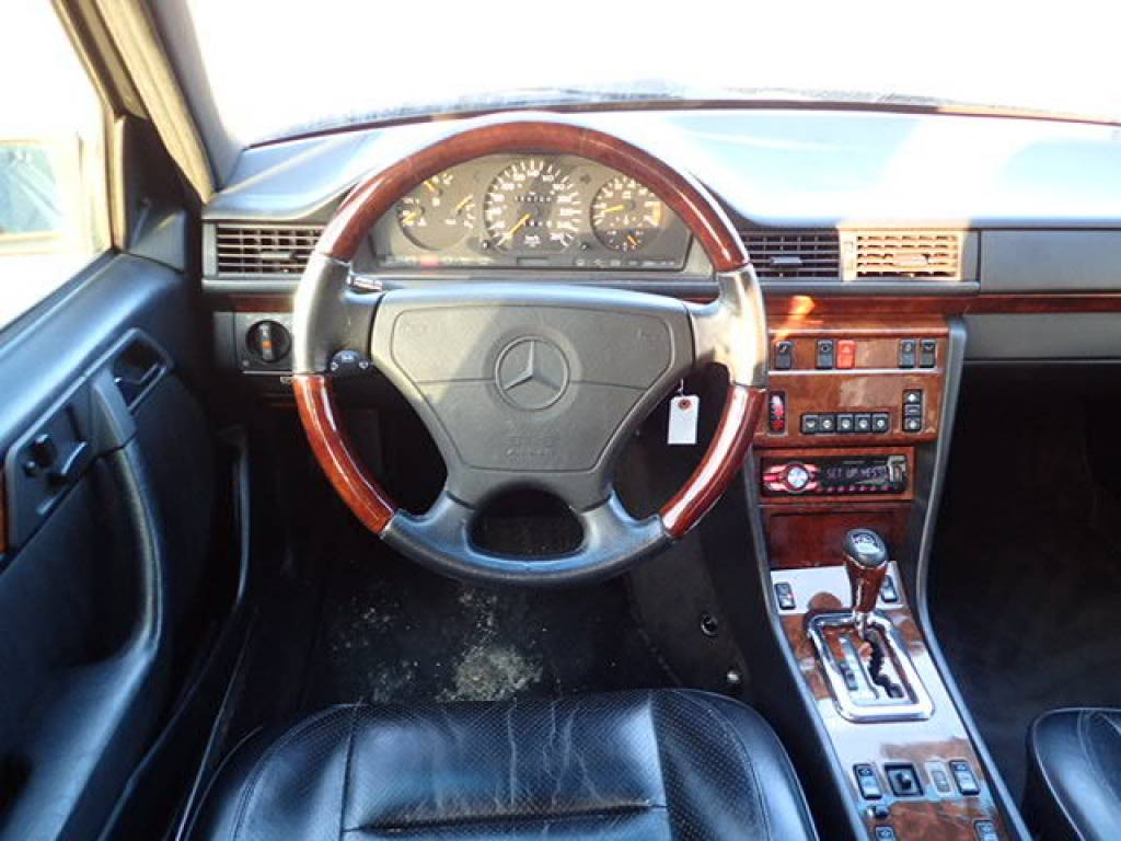 Used 1995 AT Mercedes Benz E-Class 124036 Image[22]