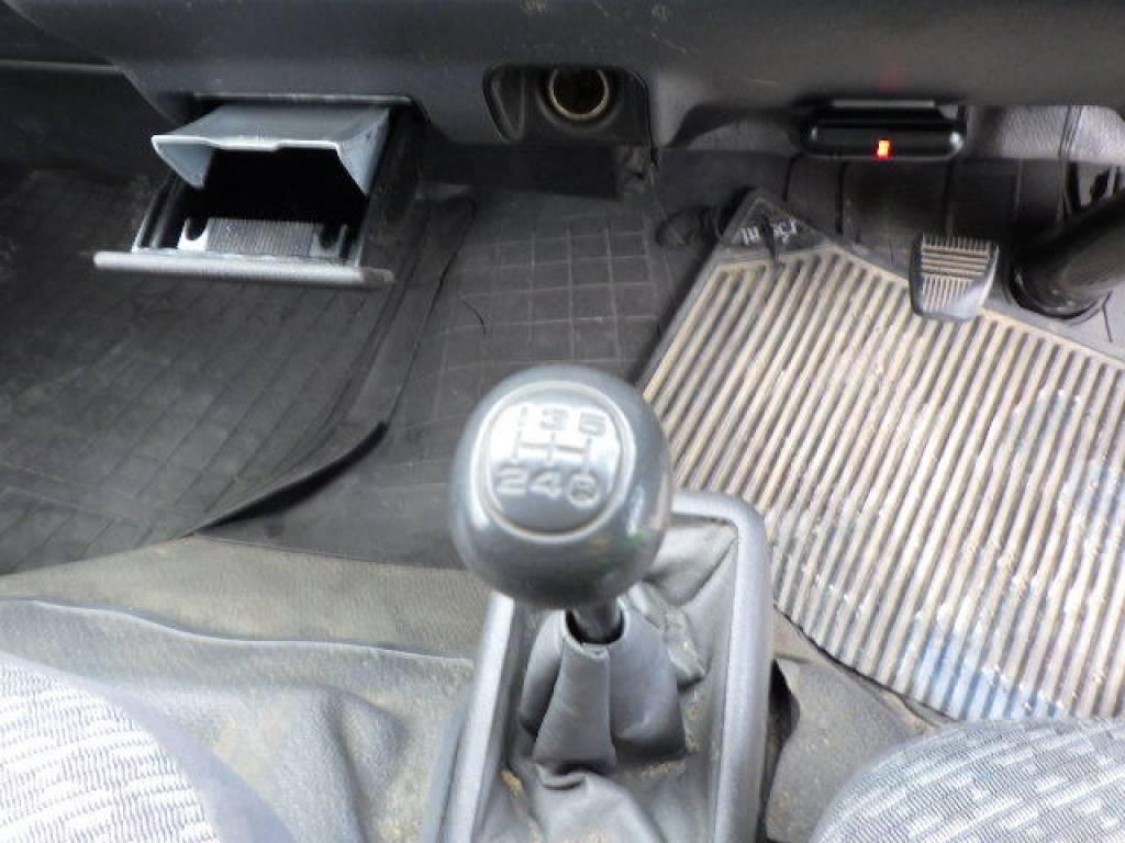 Used 2004 MT Toyota Hiace Van LH172V Image[11]