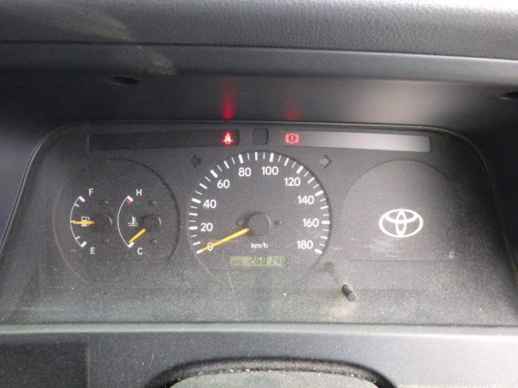 Used 2004 MT Toyota Hiace Van LH172V Image[15]