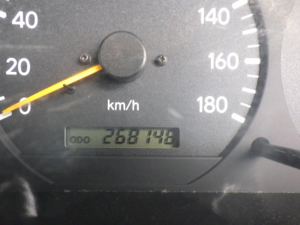 Used 2004 MT Toyota Hiace Van LH172V Image[16]