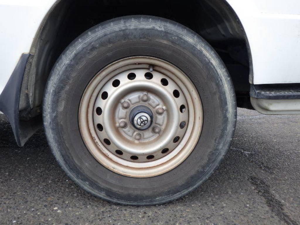 Used 2004 MT Toyota Hiace Van LH172V Image[17]
