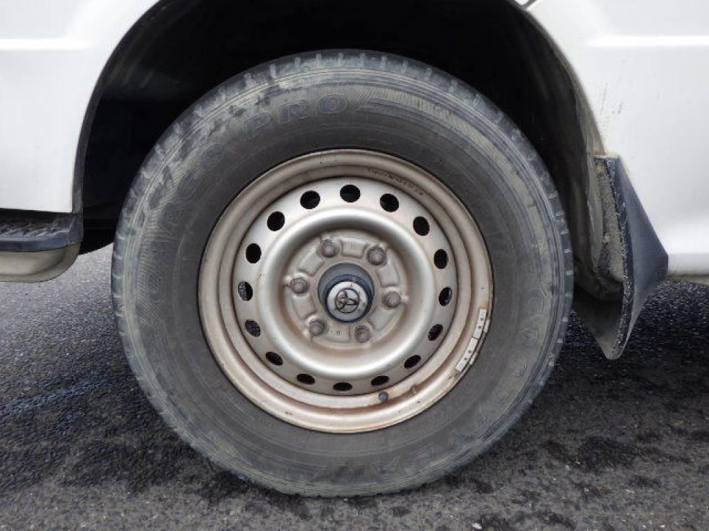 Used 2004 MT Toyota Hiace Van LH172V Image[20]
