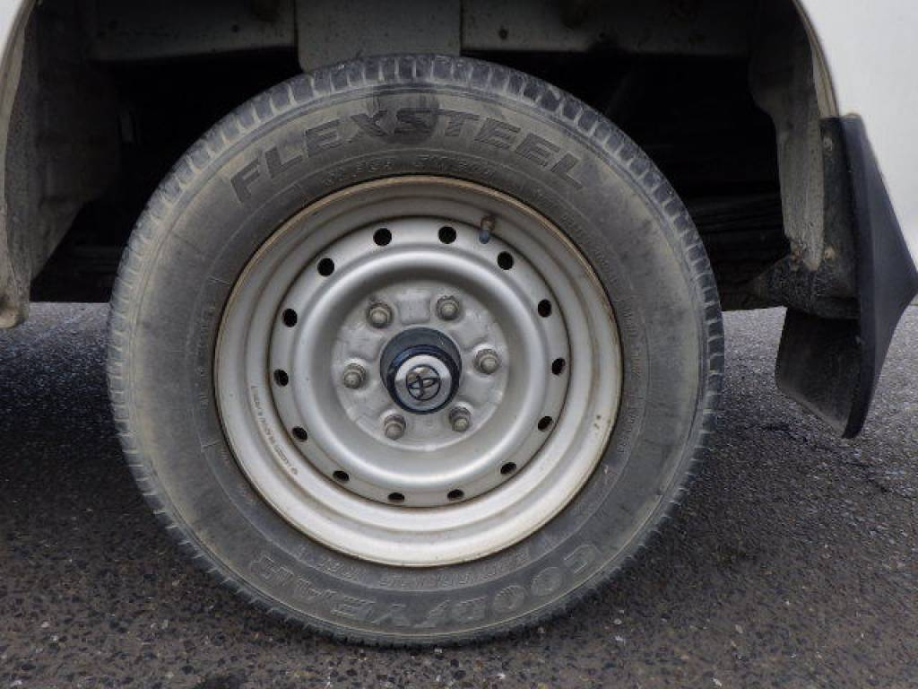 Used 2004 MT Toyota Hiace Van LH172V Image[23]