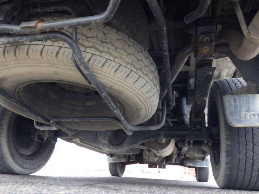 Used 2004 MT Toyota Hiace Van LH172V Image[25]