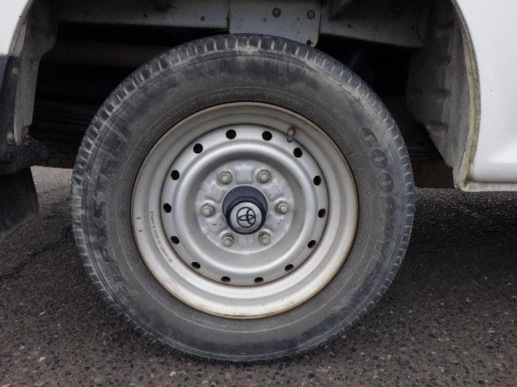 Used 2004 MT Toyota Hiace Van LH172V Image[26]