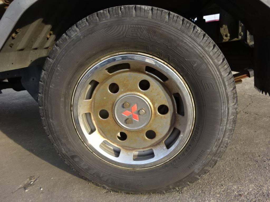 Used 2000 AT Mitsubishi Canter FB50AB Image[18]