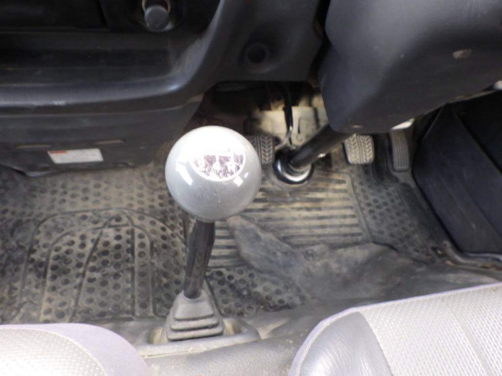 Used 2005 MT Mazda Bongo Brawny Van SKE6V Image[11]