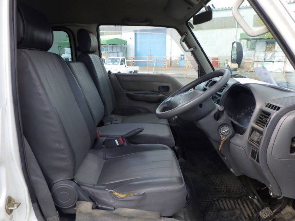 Used 2005 MT Mazda Bongo Brawny Van SKE6V Image[12]
