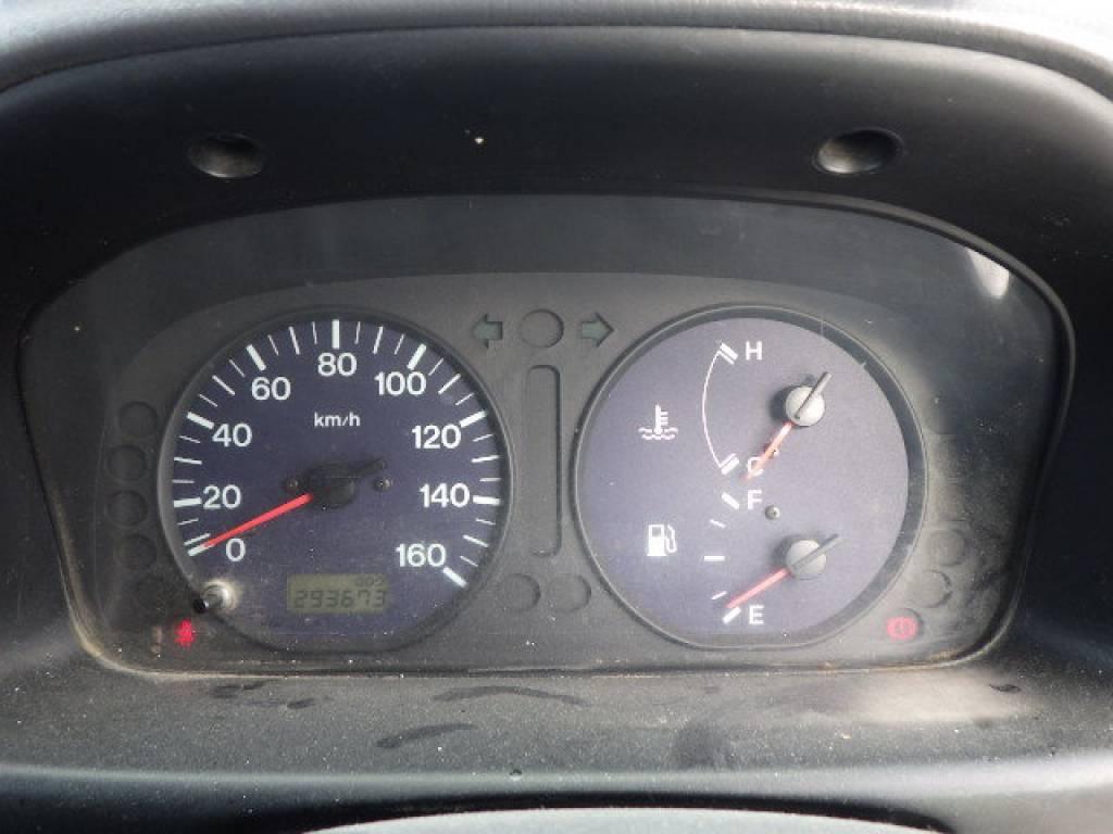 Used 2005 MT Mazda Bongo Brawny Van SKE6V Image[15]