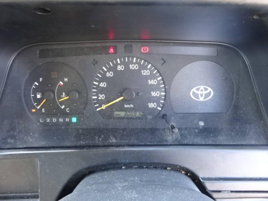 Used 2000 AT Toyota Hiace Van RZH112V Image[23]