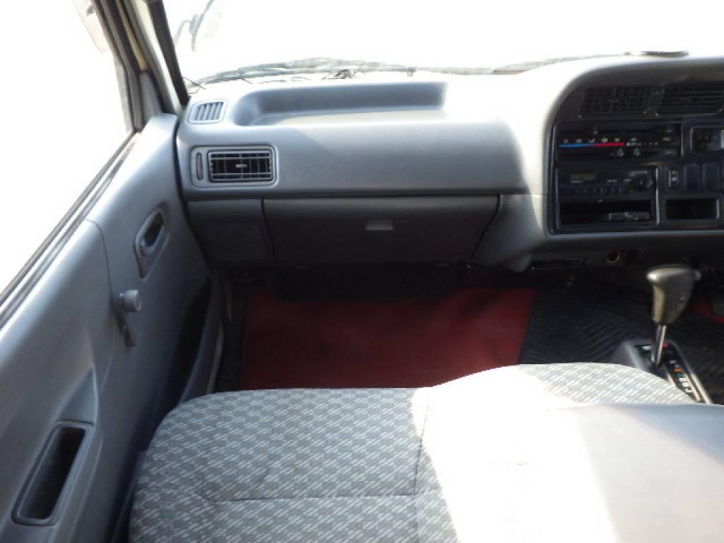 Used 2003 AT Toyota Hiace Van RZH112V Image[9]