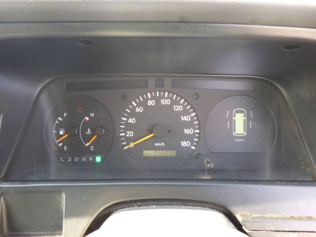 Used 2001 AT Toyota Hiace Van RZH102V Image[15]