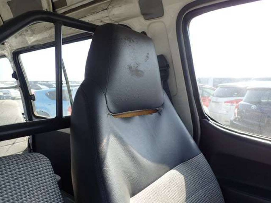 Used 1997 AT Toyota Hiace Van RZH112K Image[11]