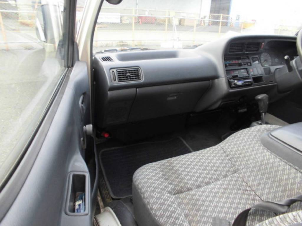 Used 2000 AT Toyota Hiace Van LH172V Image[8]