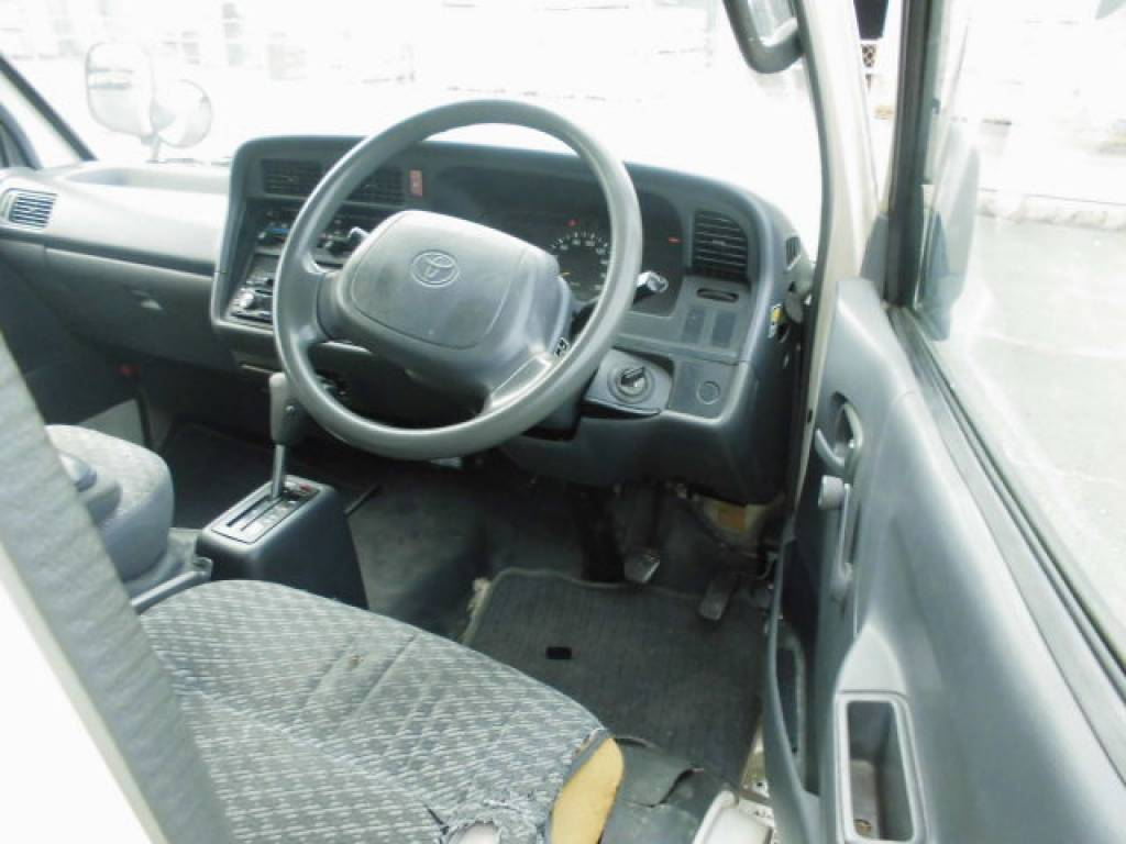 Used 2000 AT Toyota Hiace Van LH172V Image[9]