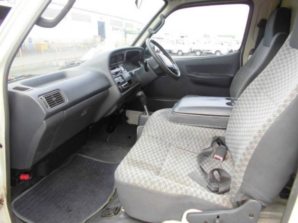 Used 2000 AT Toyota Hiace Van LH172V Image[18]