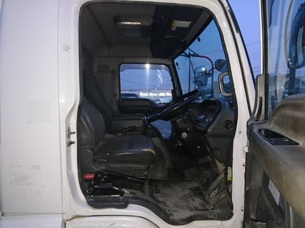 Used 2006 MT Isuzu Forward FRR90C3S Image[4]