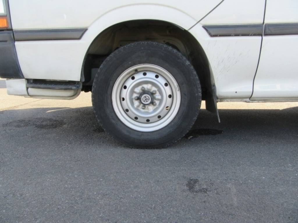 Used 1996 AT Toyota Hiace Van RZH102V Image[24]