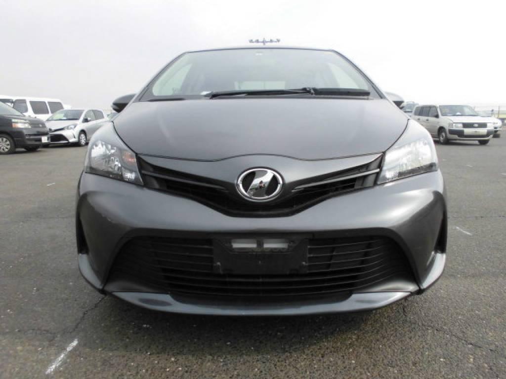 Used 2015 AT Toyota Vitz KSP130 Image[4]
