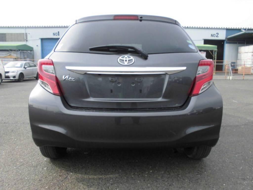 Used 2015 AT Toyota Vitz KSP130 Image[5]