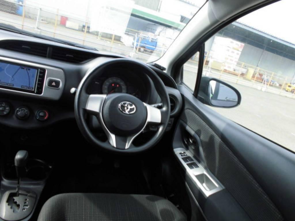 Used 2015 AT Toyota Vitz KSP130 Image[10]