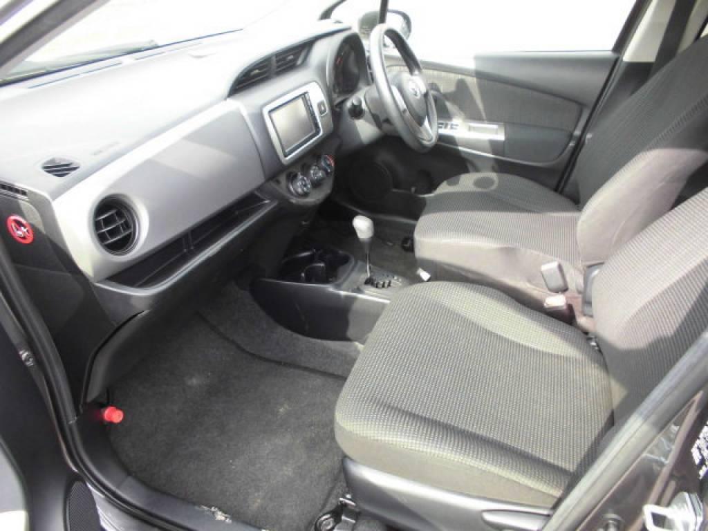 Used 2015 AT Toyota Vitz KSP130 Image[13]