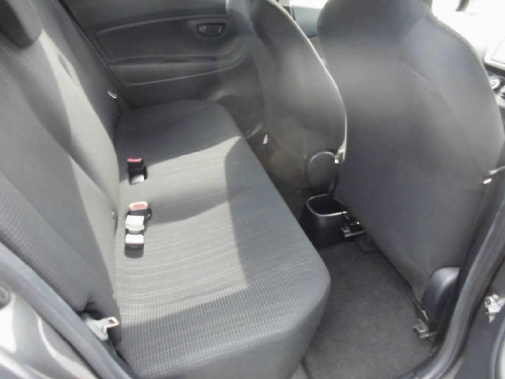 Used 2015 AT Toyota Vitz KSP130 Image[22]