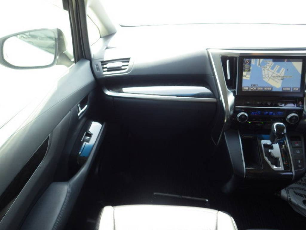 Used 2016 AT Toyota Velfire AGH30W Image[28]