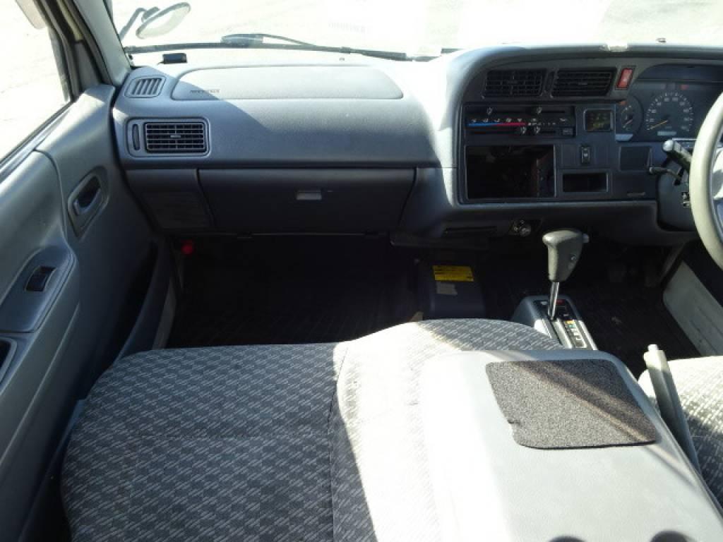 Used 2003 AT Toyota Hiace Van RZH112V Image[21]