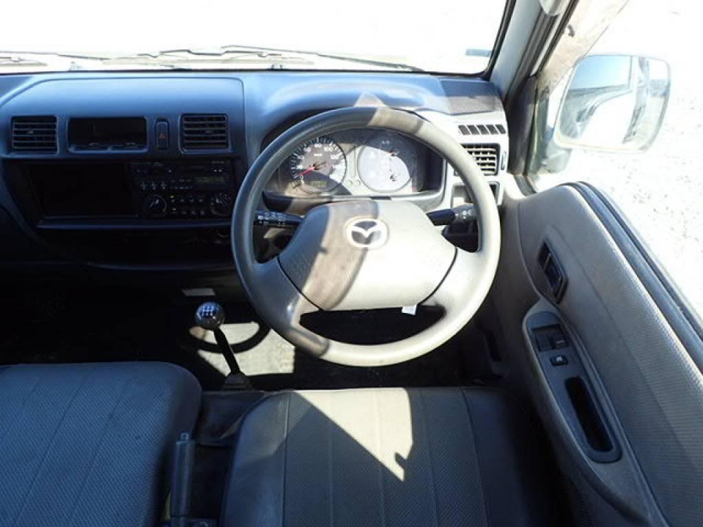 Used 2004 MT Mazda Bongo Van SK82V Image[6]