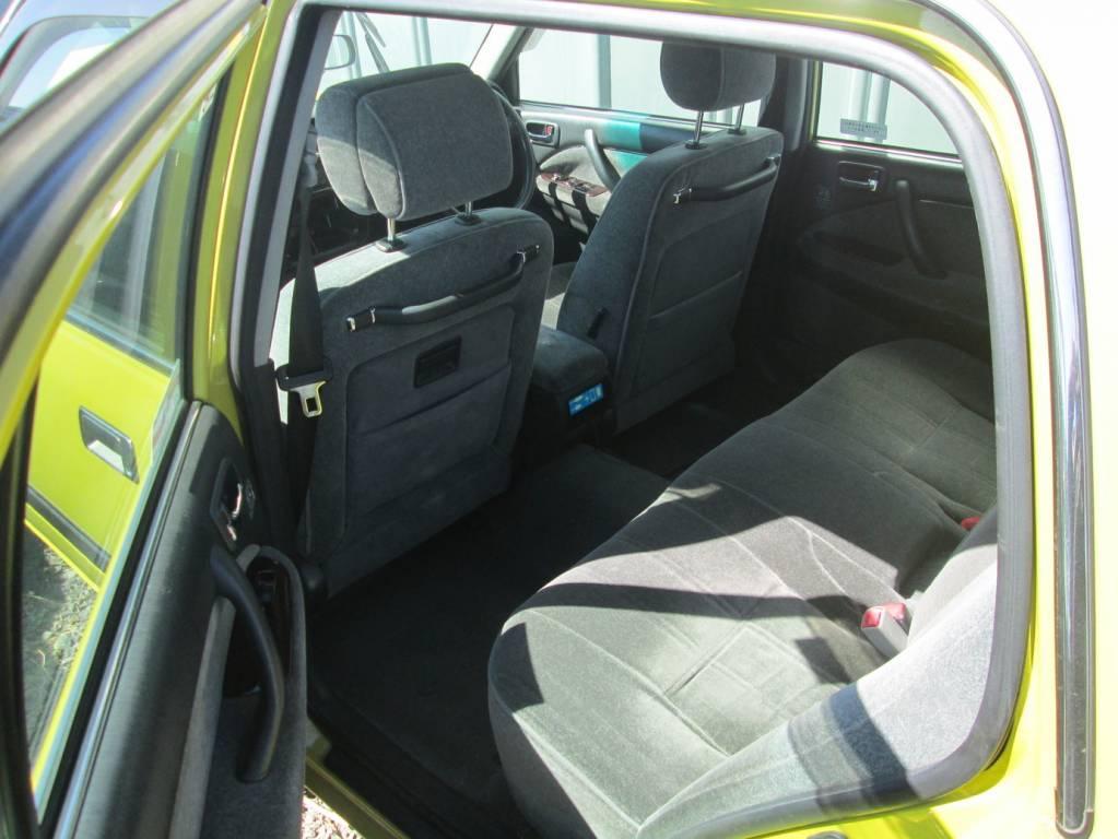 Used 2011 AT Toyota Crown Sedan TSS10 Image[2]