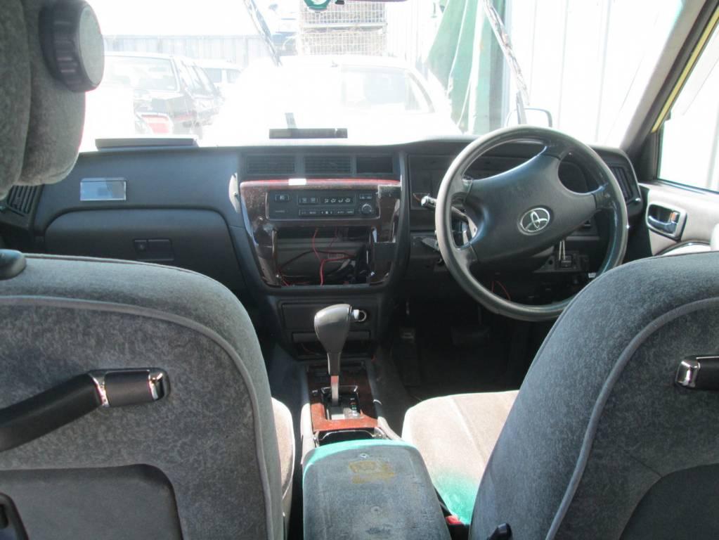 Used 2011 AT Toyota Crown Sedan TSS10 Image[3]