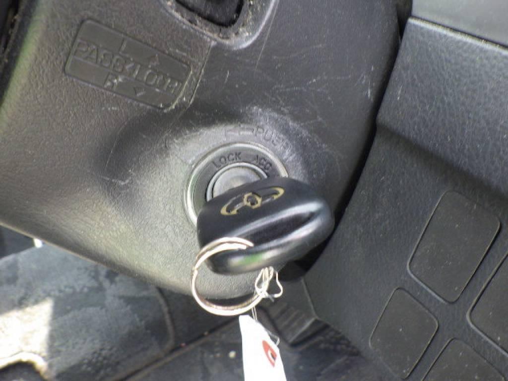 Used 2005 AT Toyota Ipsum ACM21W Image[9]