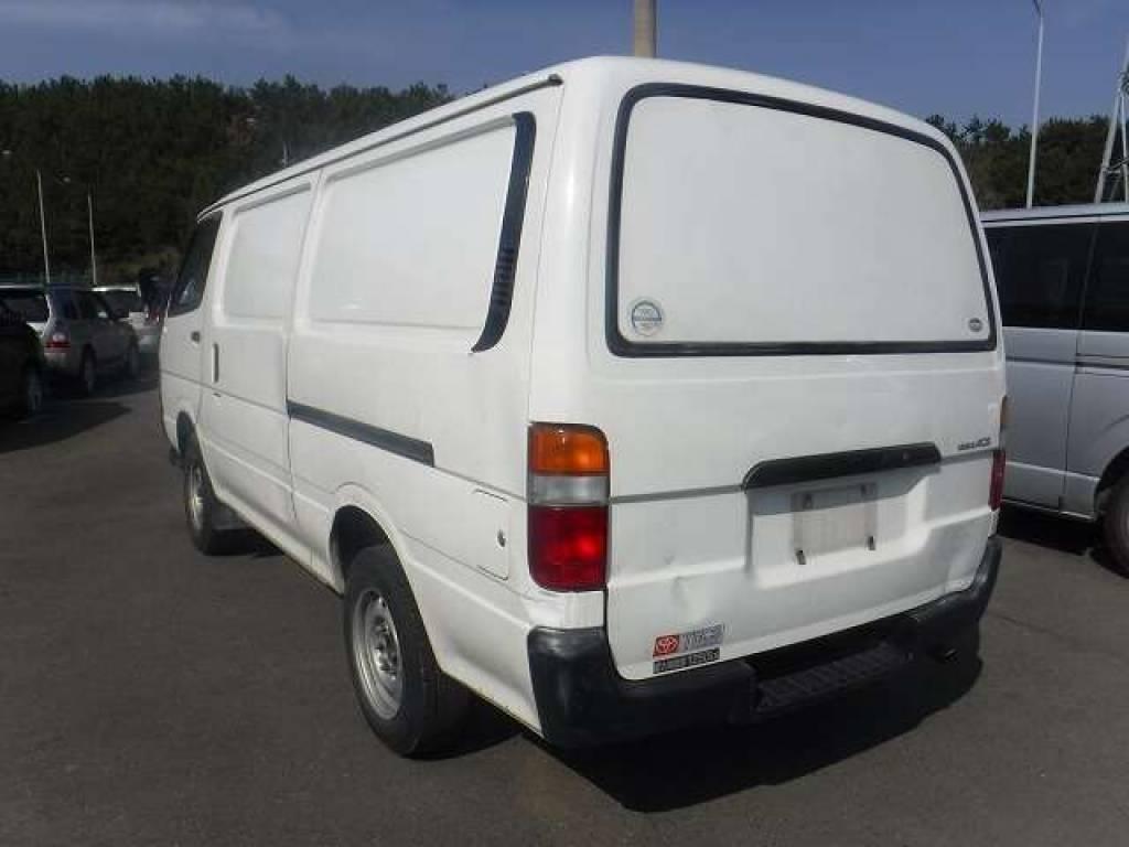 Used 2004 AT Toyota Hiace Van TRH112V Image[3]