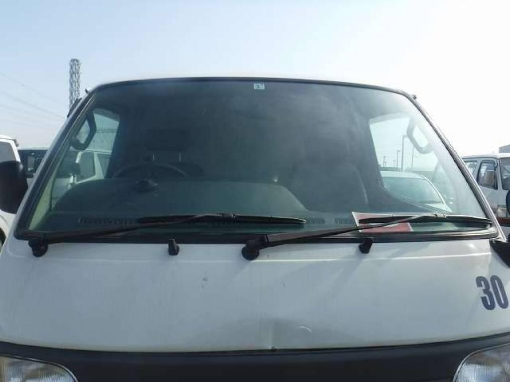 Used 2004 AT Toyota Hiace Van TRH112V Image[7]