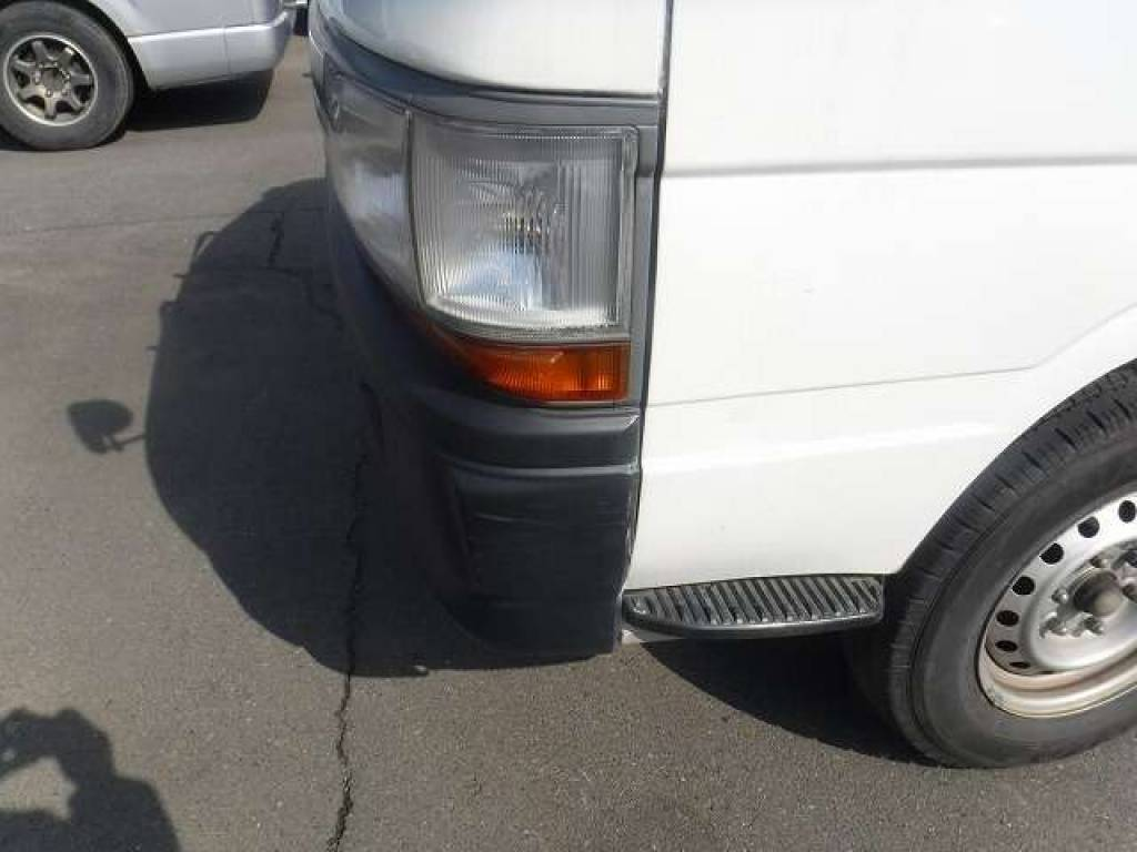 Used 2004 AT Toyota Hiace Van TRH112V Image[22]