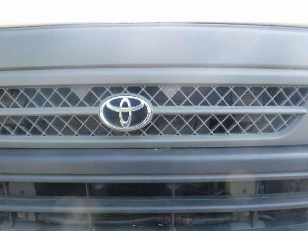 Used 2004 AT Toyota Hiace Van TRH112V Image[25]