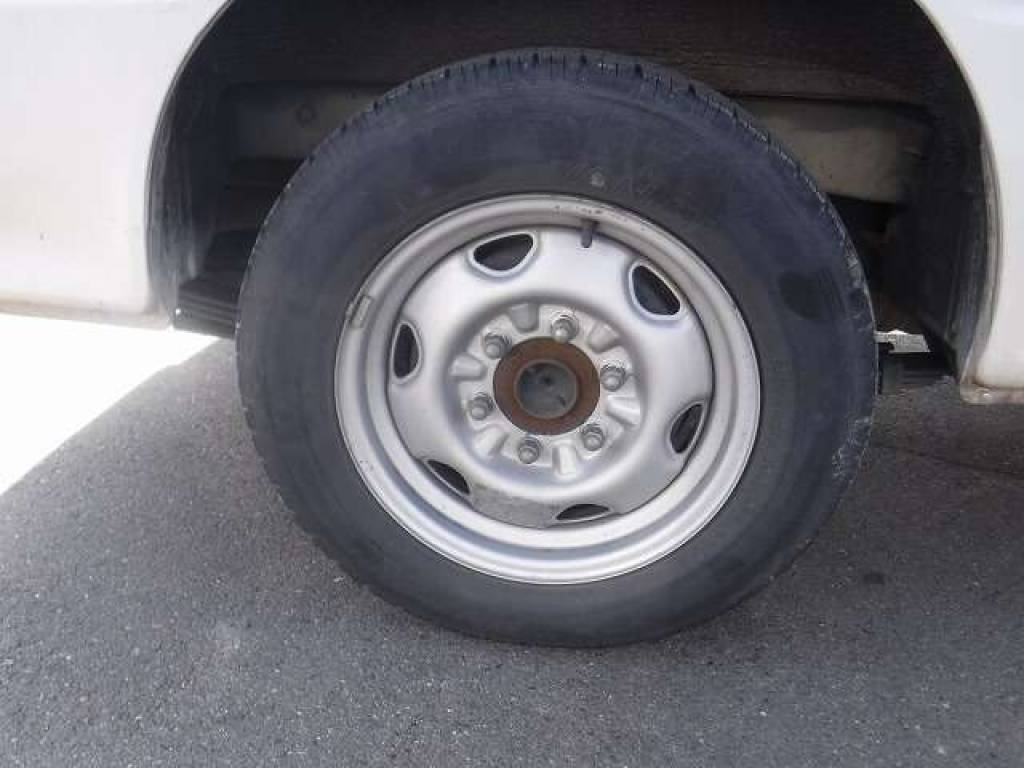 Used 2004 AT Toyota Hiace Van TRH112V Image[26]